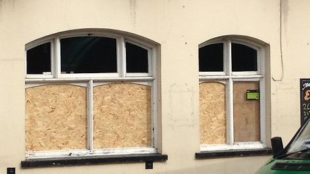 Windows smashed at the King's Head pub