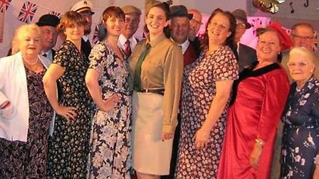 The MADAOS cast at the 1940s evening
