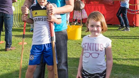 Xander and Dakota Houlston with dad Tristan at Dunmow Carnival 2015. Picture Roger King