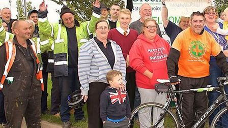 Cambridgeshire Forklift truck driver Simon Whittaker cycles more than 370 miles in less than 24 hour