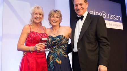 Pic shows (from left to right): Craegmoor winners Kim Griffin, team leader, Kensington Bungalow; Ann