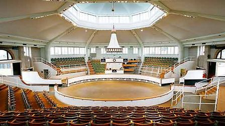 Tattersalls at Newmarket was a stunning venue for the Dowsing Sound Collective's Whisper Gig perform