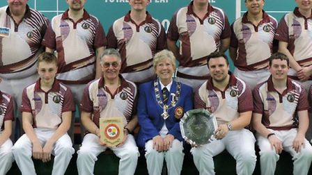 City of Ely Bowls Club's Denny Cup winning side, with EIBA President Jenny McConnell.
