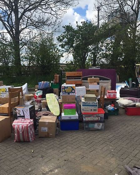 Police stopped an overweight in lorry, then unloaded it to show how in excess of the limit it was