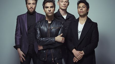Stereophonics warmed up for their sold-out stadium tour with a gig at Cambridge Corn Exchange on Mon