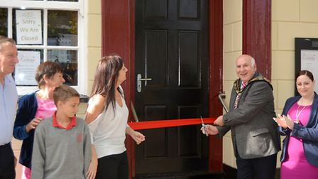 Mayor of March Councillor Andrew Donnelly cutting the ribbon