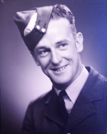 Frank Symes, wireless operator