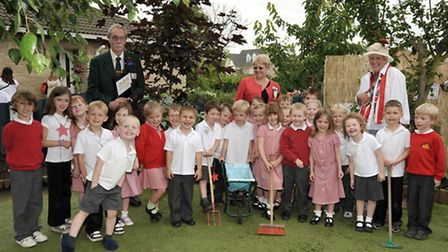 Chatteris in Bloom judging. Foundation stage children have a visit by the Anglia in Bloom Judges,rea