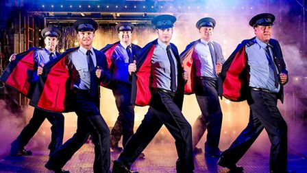 Anthony Lewis, Chris Fountain, Kai Owen, Gary Lucy, Louis Emerick and Andrew Dunn in The Full Monty