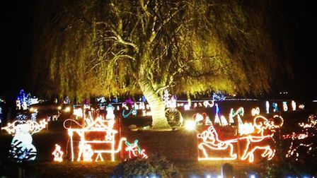 Willow House Christmas lights at Turves - 2016