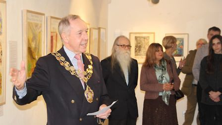 Mayor of Ely Councillor Ian Lindsay opening the Marc Chagall exhibition.