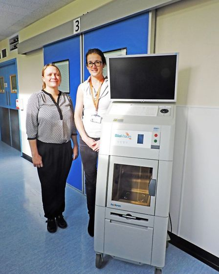 Rachael Johnson and Amy Burger, Consultant Oncoplastic Breast Surgeons, with the new machine