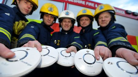 Private landlords could face a fine of £500 if they fail to fit working smoke alarms or carbon monox