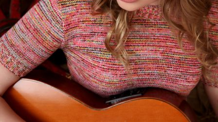 Cambridgeshire singer-songwriter Lana Bruce to launch Hibiscus Heat EP at The Draymans Son, Fore Hil