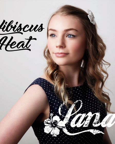 Cambridgeshire singer-songwriter Lana Bruce to launch 'Hibiscus Heat' EP at The Drayman's Son, Fore