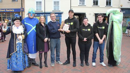 14 teams took partin the first eel throwing contest in Ely this morning and the winners were Wood G