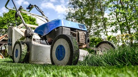 Cambridgeshire Police are warning people to be on their guard against gardening conmen in the Fenlan