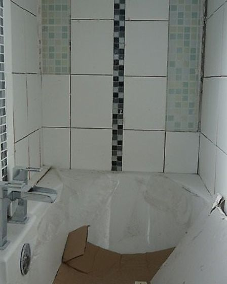 The old bathroom by Les Crofts who contracted it out to another worker.