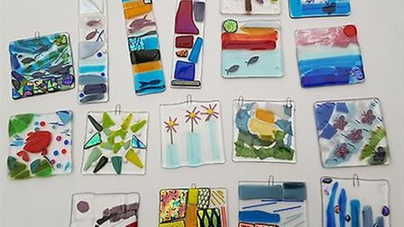 Create a glass coaster or hanging decoration during workship at Babylon Gallery