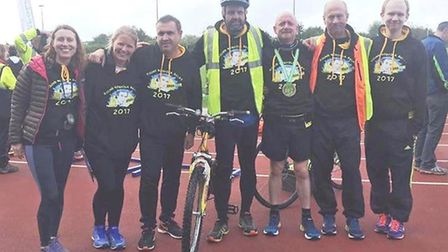The Ely Runners B team and Lee Thomas.