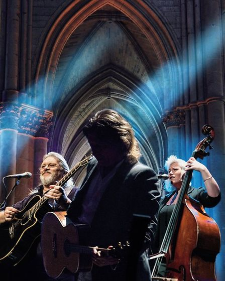 British folk group Show of Hands are to perform at Ely Cathedral