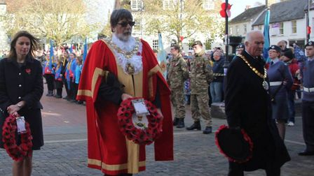 South East Cambridgeshire MP Lucy Frazer, Mayor of Ely Councillor Richard Hobbs laying their wreaths