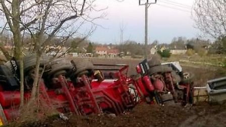 Lorry with 4,000 litres of diesel on board overturns near Newmarket PHOTO: Roads policing unit