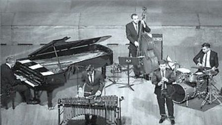Chatteris Music Society presents the Julian Bliss Quintet performing 'A trip down Tin Pan Alley' at