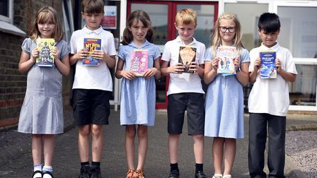 Lionel Walden - MP Steve Barclays Read to Succeed raises over 2,000 new books for local children