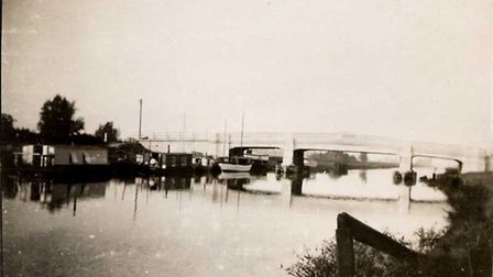 Eighty three years to the day since speed boat tipped for world record crashed near Adelaide Bridge