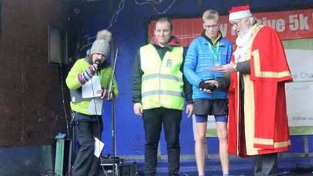 Ely's 2018 5k Santa festive charity fun run for Arthur Rank Hospice round Ely was overwhelmed with a