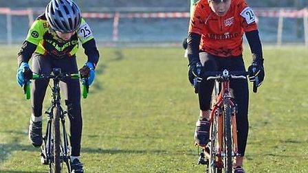 Kieran Vanhoutte lunges for the line at the end of the U12s race (pic Martin Lewis)