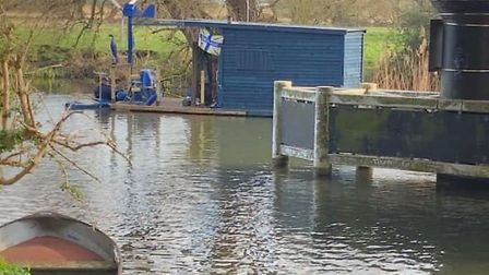 A floating shed on the River Ouse near Ely has provoked a furious response.