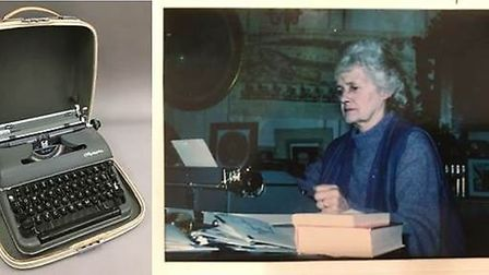 Daphne Du Maurier's last typewriter, an Olympia SM4, was a star item as it went under the hammer for