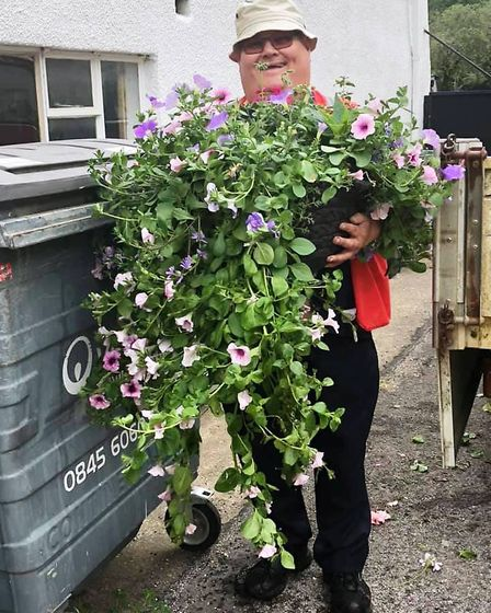 Chatteris in Bloom: Our tribute to the gold standard award winning Chatteris in Bloom volunrteers, T