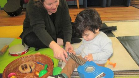 Cambridgeshire Music is inviting new parents in Chatteris to come along to a free sing, chat and rhy