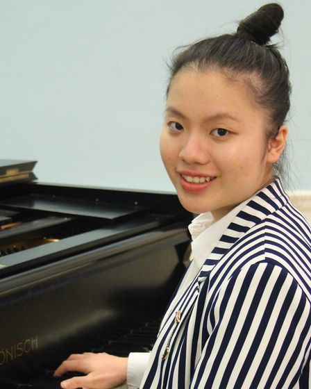 Lisa Lyu was awarded her associateship diploma from London's Trinity College of Music for piano perf
