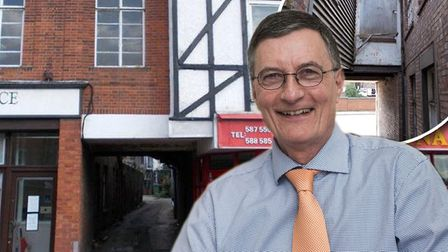 A room which is situated between two businesses in Wisbech was sold for £1 by auctioneer Simon Arnes
