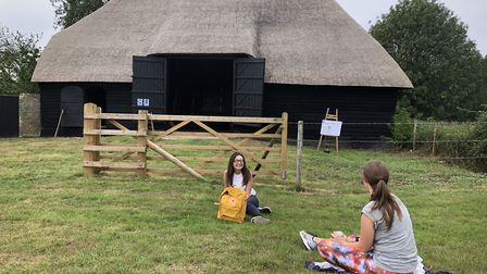 Picnickers-by-the-Tithe-Barn-i