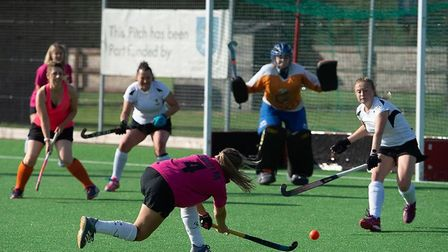 Ely City Hockey Club endured mixed starts to both their mens and ladies East Region League campaigns