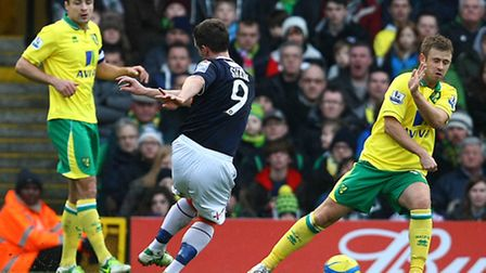 Jon Shaw shoots during Luton's FA Cup giant-killing of Norwich City at Carrow Road. Picture by Paul