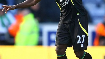 Norwich City midfielder Alex Tettey stepped up his fitness comeback with 60 minutes in a developmen