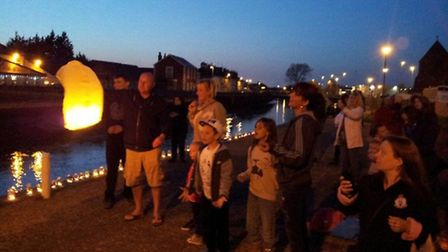 A sky lantern release took place on the 168th anniversary of the Great Yarmouth suspension bridge di