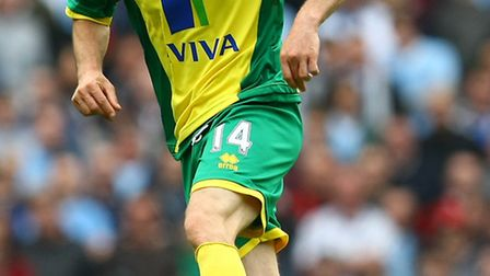 Wes Hoolahan in action against Manchester City.