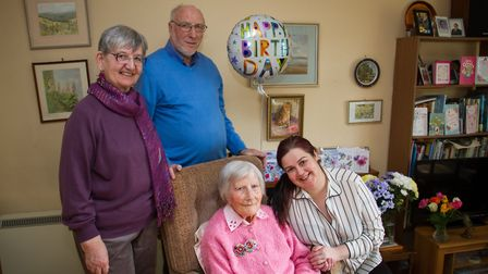 103 year old Doris Beattie with her family Anne,Roger and Joanna. Ref exe 07-18TI 7700. Picture: Ter
