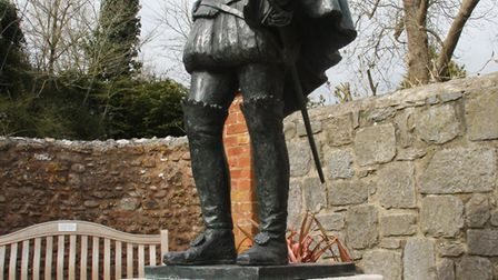 The statue of Sir Walter Raleigh stand at the top of the village. Ref exb 9978-14-09SH Picture: Simo
