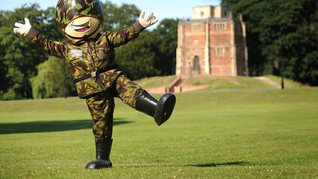 Scotty's Little Soldiers mascot 'Scotty' jumping around in The Walks on Scotty's Day. Picture: Ian B