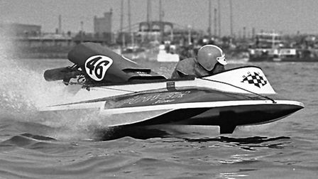 power boats in action on oulton broad in 1971supplied by Mike Ward from the LOBMBC