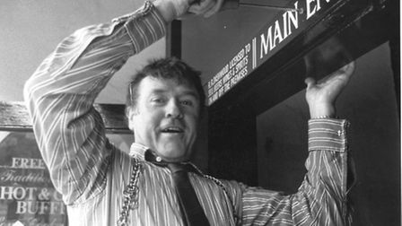 Roy Dashwood putting his name up at The Bell in 1989.