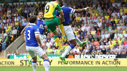 Ricky van Wolfswinkel heads for goal against Everton. Picture: Paul Chesterton / Focus Images